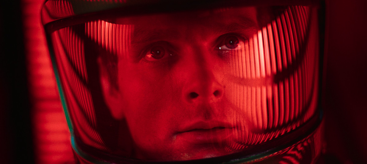 2001 a space odyssey: dave in close up in his space helmet